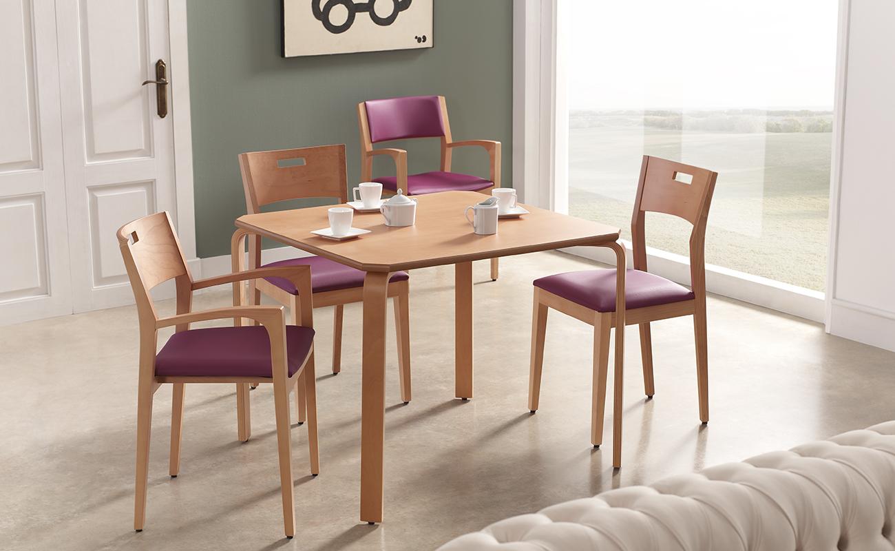 Mesa comedor cuadrada arco nd mobiliario y equipamiento for Mesa comedor madera maciza
