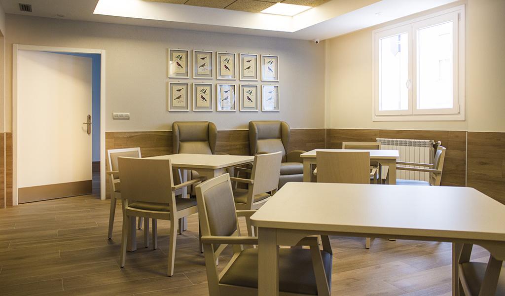 sillas-mesas-comedor-residencia-geriatrica-nd-mobiliario-equipamiento