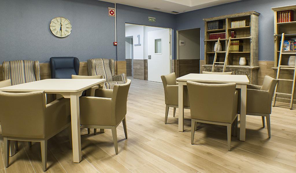 sillones-mesas-sala-lectura-residencia-geriatrica-nd-mobiliario-equipamiento