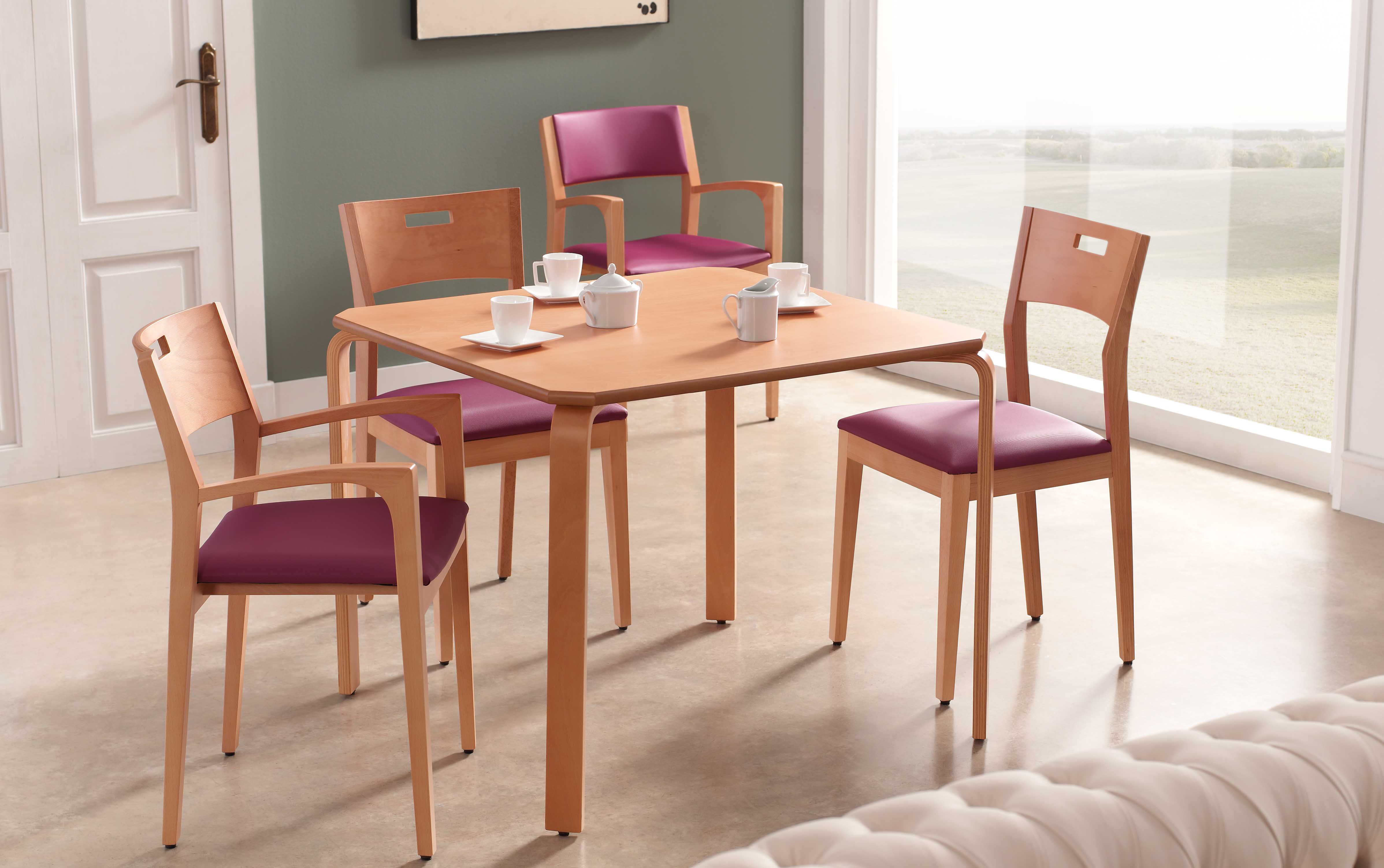 Ambiente comedor mesa modelo Arco